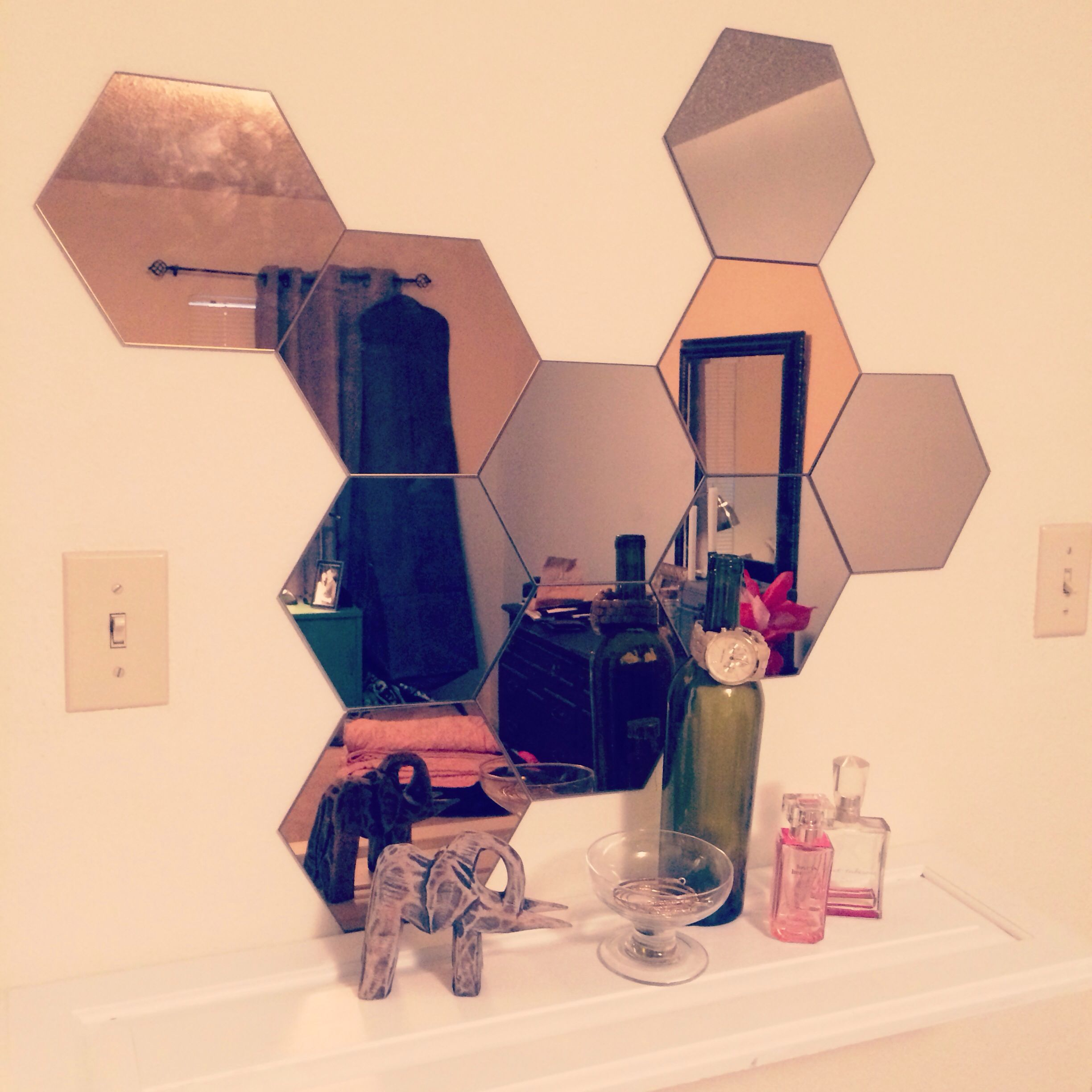 just installed ikea hexagon mirrors prettythings apartmentlife mirrors bolig diy pinterest. Black Bedroom Furniture Sets. Home Design Ideas