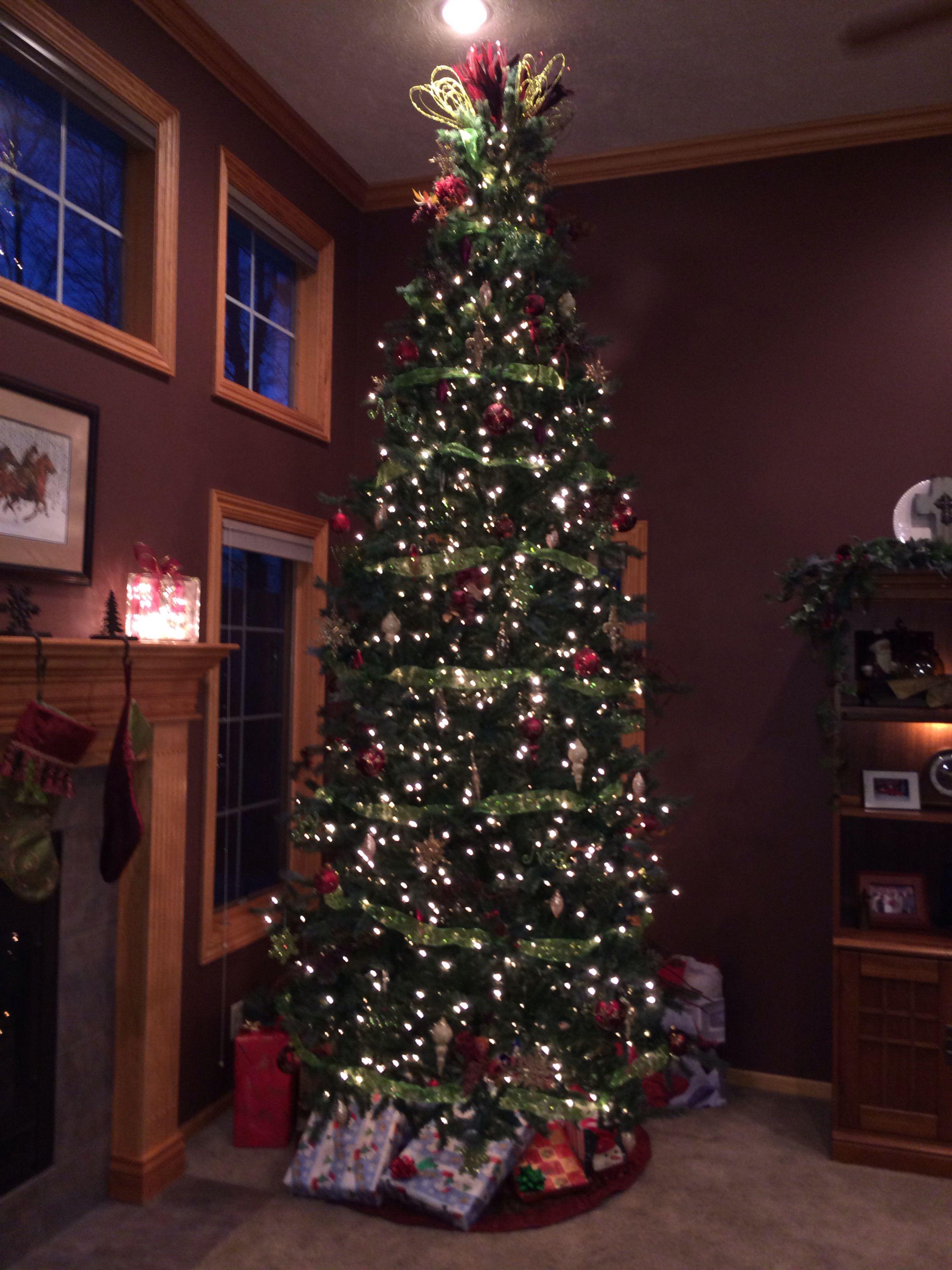 Burgundy And Green Christmas Tree 12 Foot Slim Fit Slim Christmas Tree Green Christmas Tree Green Christmas