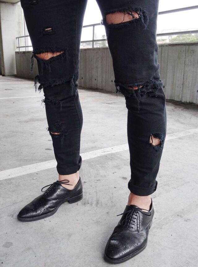 Ripped jeans + smart shoes | Mens