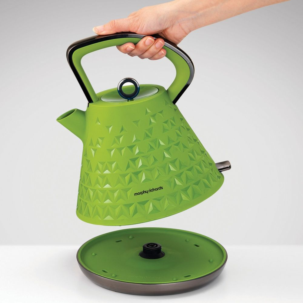Kettle in Green by Morphy Richards