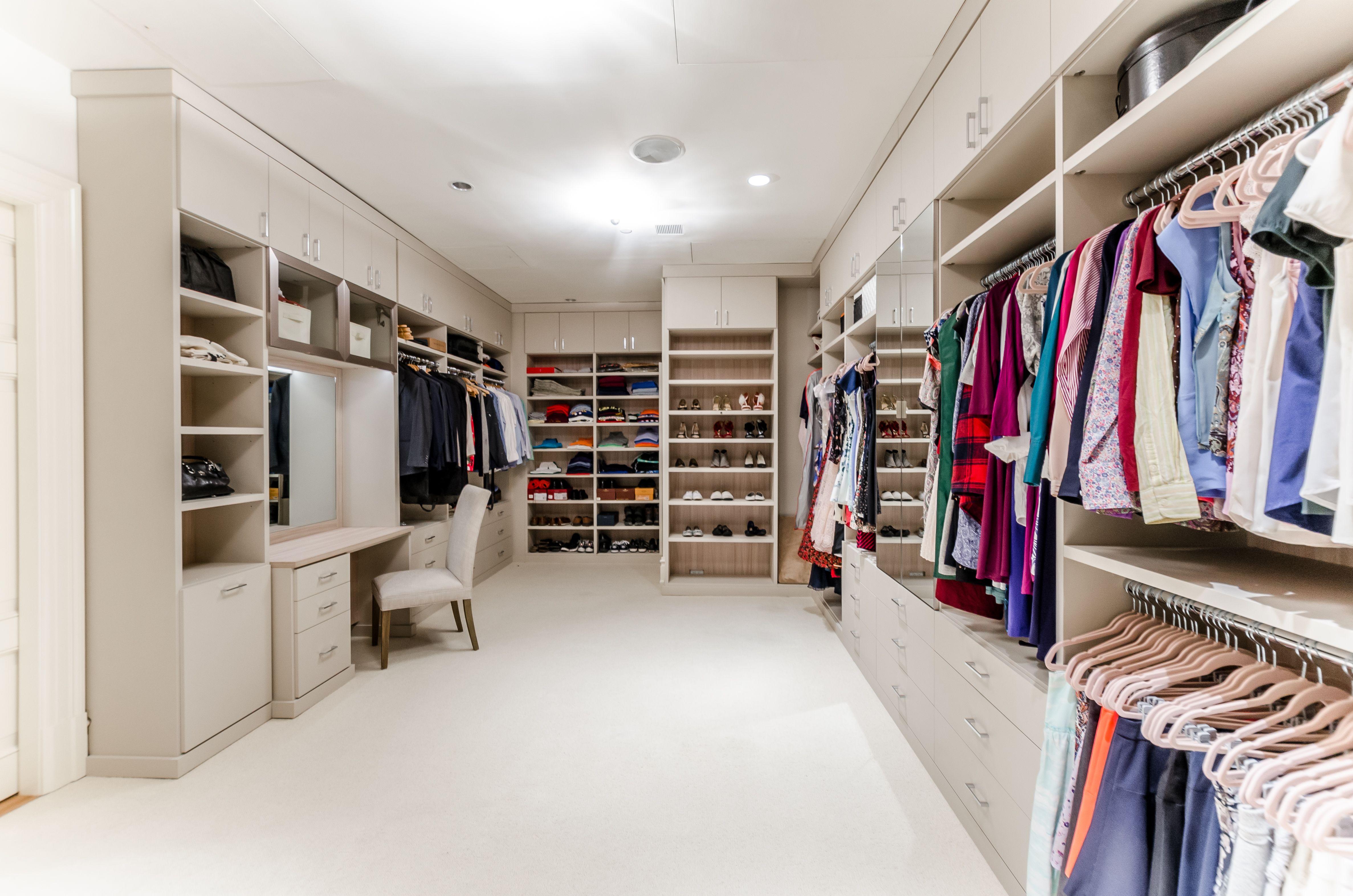 This Tribeca Walk In Closet Was Designed By Alexis Williams A Designer At California Closets Al Closet Storage Design Custom Closet Design California Closets