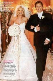 Jessica Simpson With All White Stephanotis Bouquet With Stephanotis Streamers Jessica Simpson Wedding Dress Celebrity Wedding Dresses Celebrity Bride