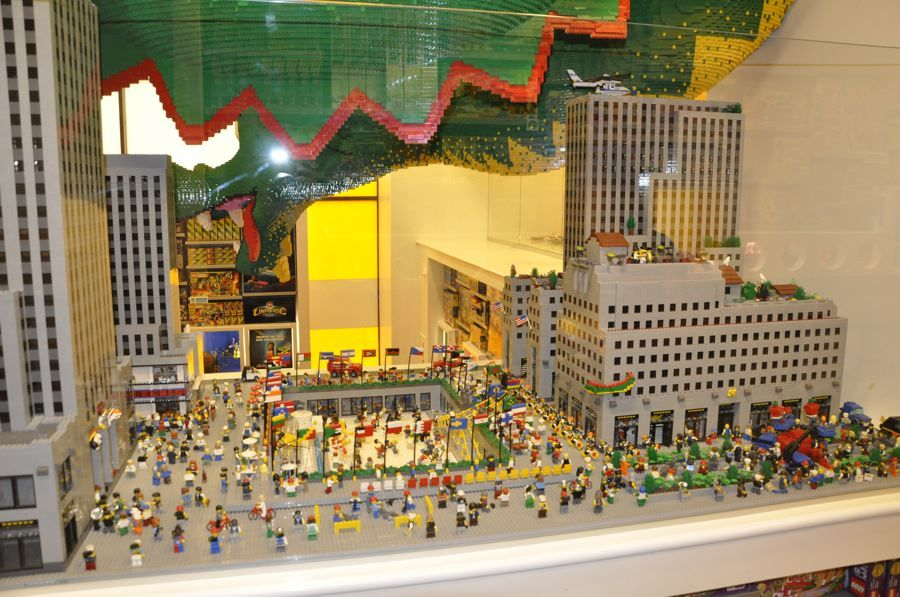 Exclusive Photos From Inside The Flagship Lego Store At Rockefeller Center Lego Store Nyc Family Vacation Rockefeller Center