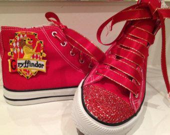 Harry Potter Gryffindor Haus Canvas Schuhe, rote Edelsteine