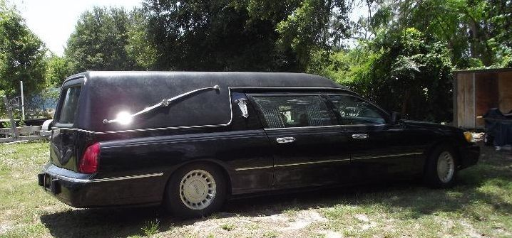 Freshly Retired 2000 Lincoln Town Car Hearse Hearses For Sale