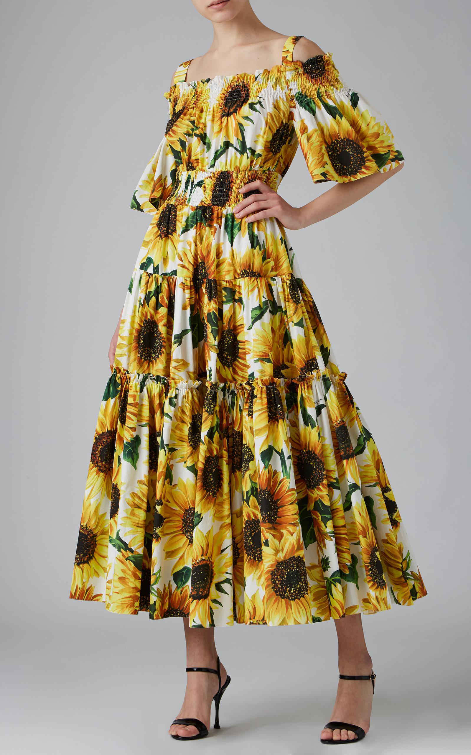 Dolce Gabbana Off The Shoulder Smocked Floral Print Cotton Maxi Dress In 2021 Fashion Maxi Dress Cotton Glamour Fashion [ 2560 x 1598 Pixel ]