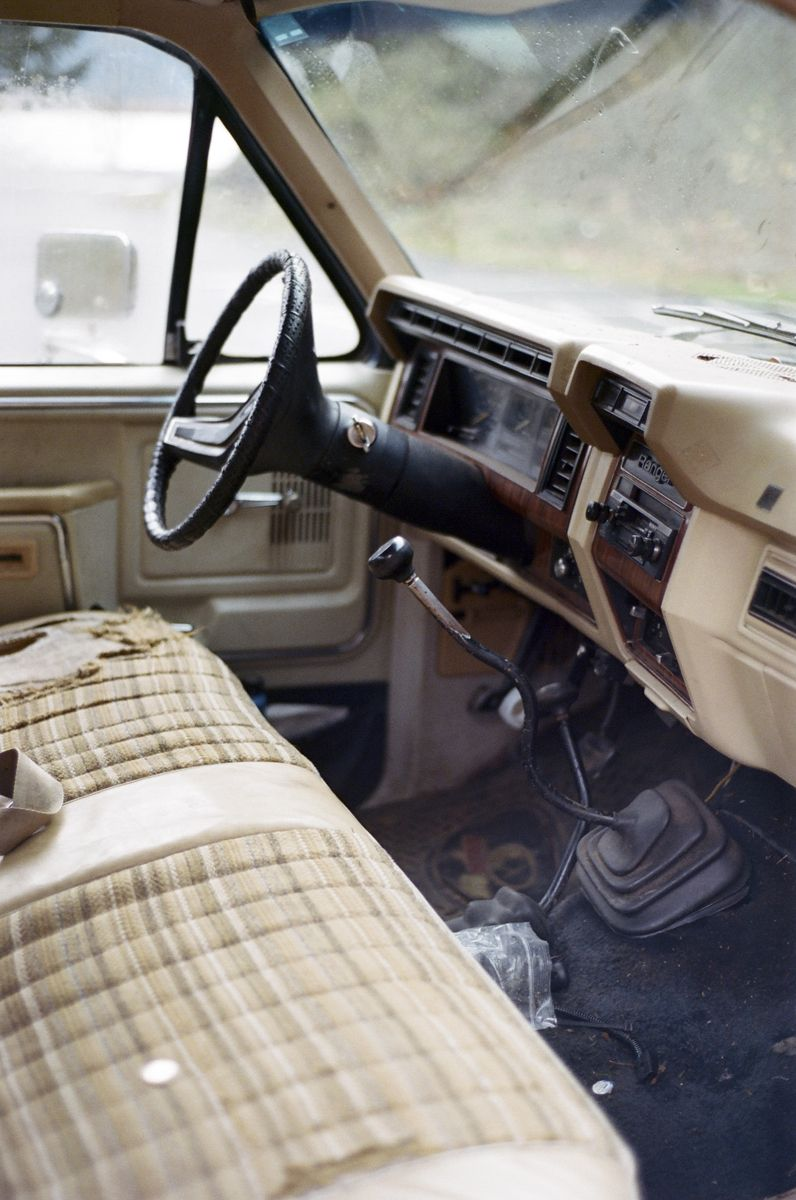 outofreception:  The interior of my mom's 1981 Ford Ranger
