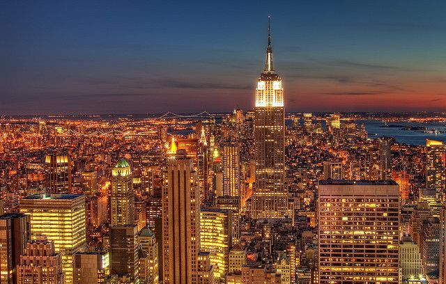 Are Natural Scenes Aways Preferred Over Urban Scenes Considering City Skylines At Night New York Wallpaper Empire State Building New York Travel