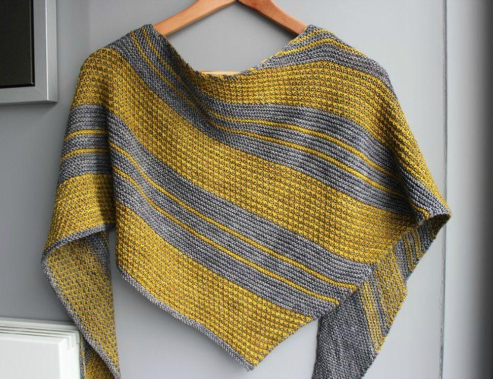 Modèle de tricot - L'île Aux Fils châle Bruym