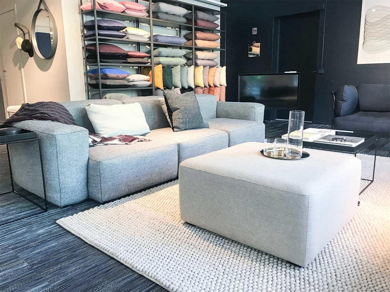 hay mags soft low armrest som 3 sitssoffa i ljusgr tt tyg. Black Bedroom Furniture Sets. Home Design Ideas