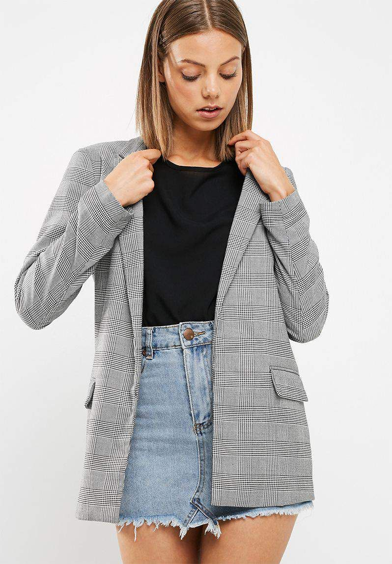 9b3766db5 Check girlfriend blazer - New Look Monochrome Fashion, Suit Jacket, New Look,  Girlfriends