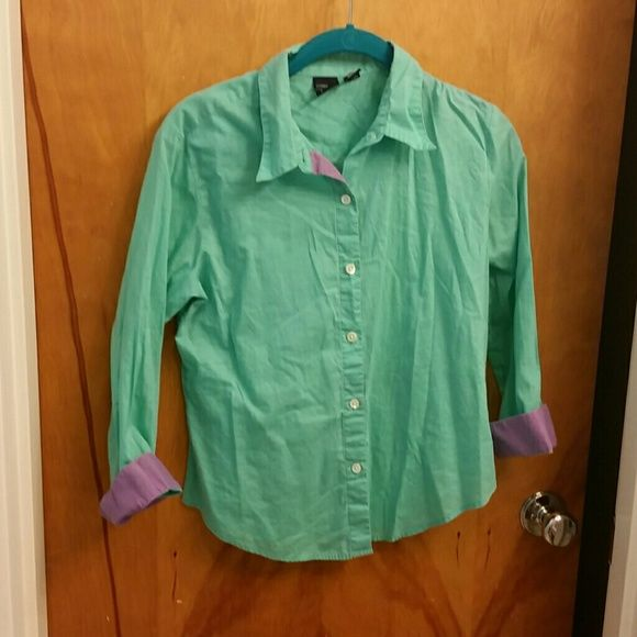 Size small GAP button down What a cute color?! This is a nice GAP button down the front shirt with pretty purple details. Size small! Love it! GAP Tops Button Down Shirts