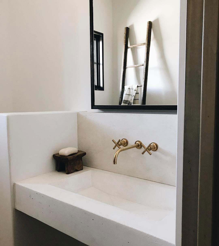 Badezimmer design gold pin by birte ballauff on badezimmer waschbecken  pinterest  soap