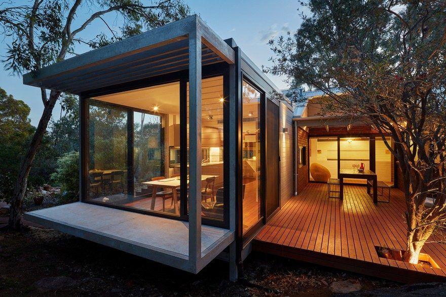 OfftheGrid Glass Box House / Mark Aronson Architecture