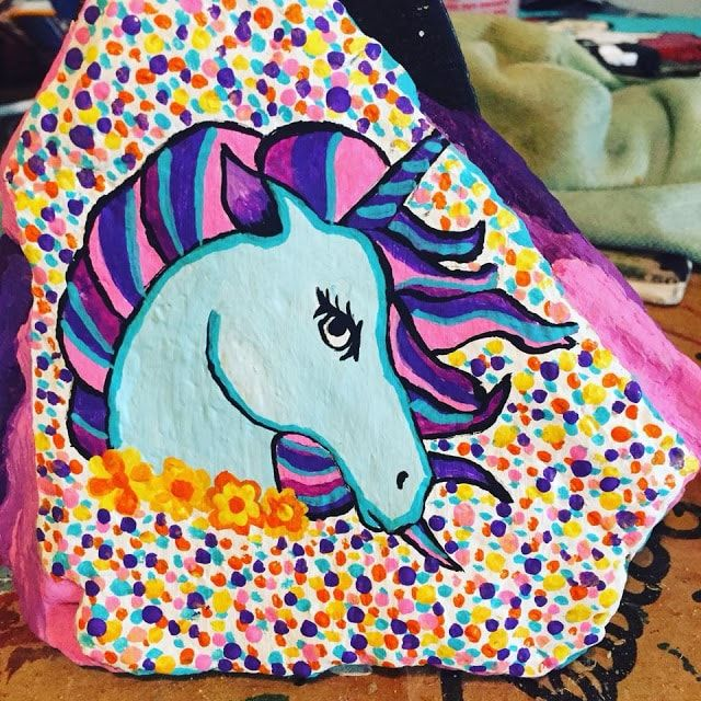 45 Magical Unicorn Rock Painting Ideas & Tutorials That Will Blow Your Mind! is part of Unicorn painting, Painted rocks kids, Rock painting art, Painted rocks, Rock painting tutorial, Painting - Unicorn lovers all will adore this collection of painted rocks featuring everyone's favorite magical creature unicorns! Tutorials will teach you how to draw unicorns on rocks and paint with a variety of mediums  Check out our featured rock painting Etsy artists as well