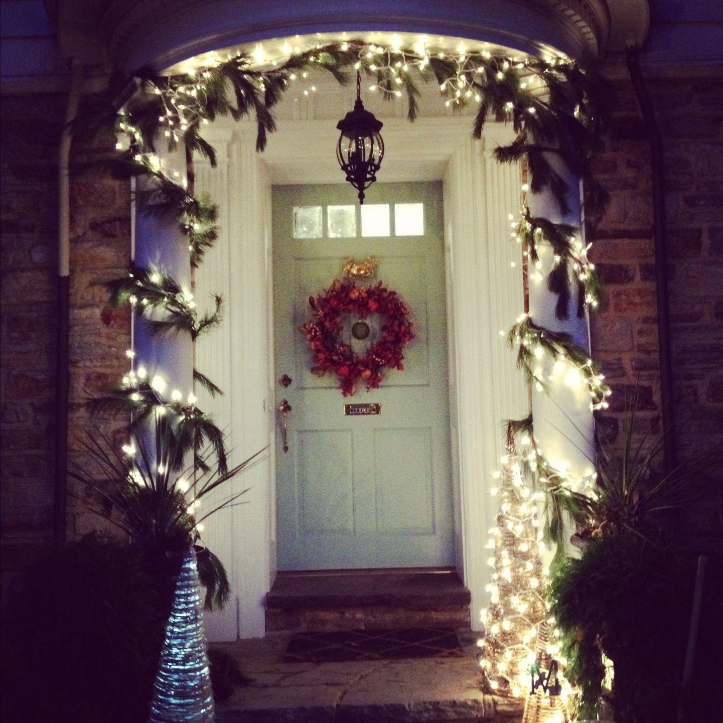 Christmas front door decorations pinterest for Front door decor