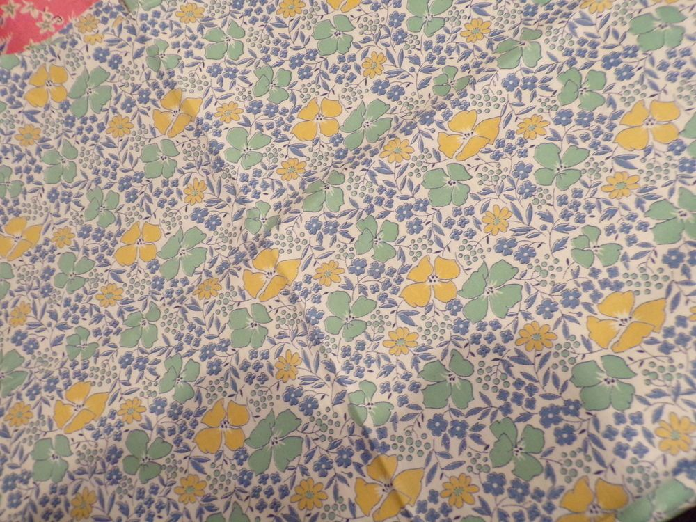 "3/4 YD X 35"" W THE REAL DEAL VINTAGE COTTON FLORAL QUILT FABRIC GOLD/BLUE/MINT"