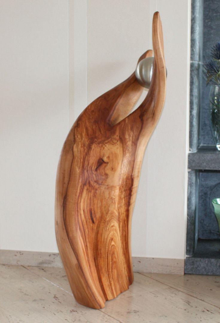 skulptur aus apfelholz mit edelstahlkugel holz skulpturen unikate in 2019 pinterest holz. Black Bedroom Furniture Sets. Home Design Ideas