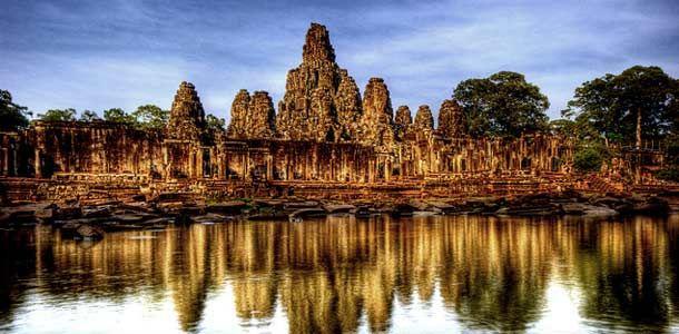 Kambodzan tunnetuin matkakohde Angkor Wat on koko maan kansallisylpeys ja alueen pitkän historian symboli.