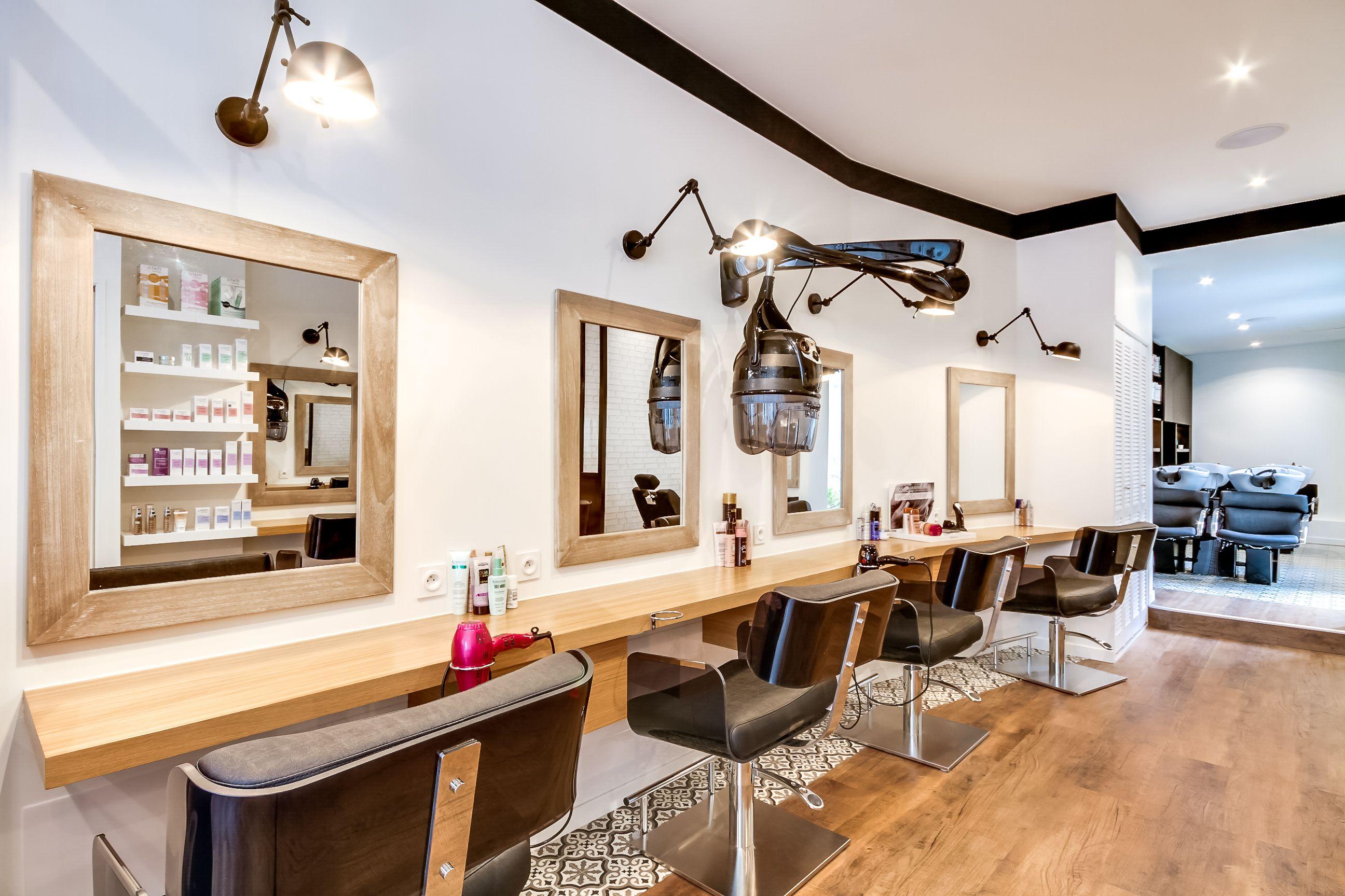 R novation totale salon coiffure paris un espace for Agence espace atypique