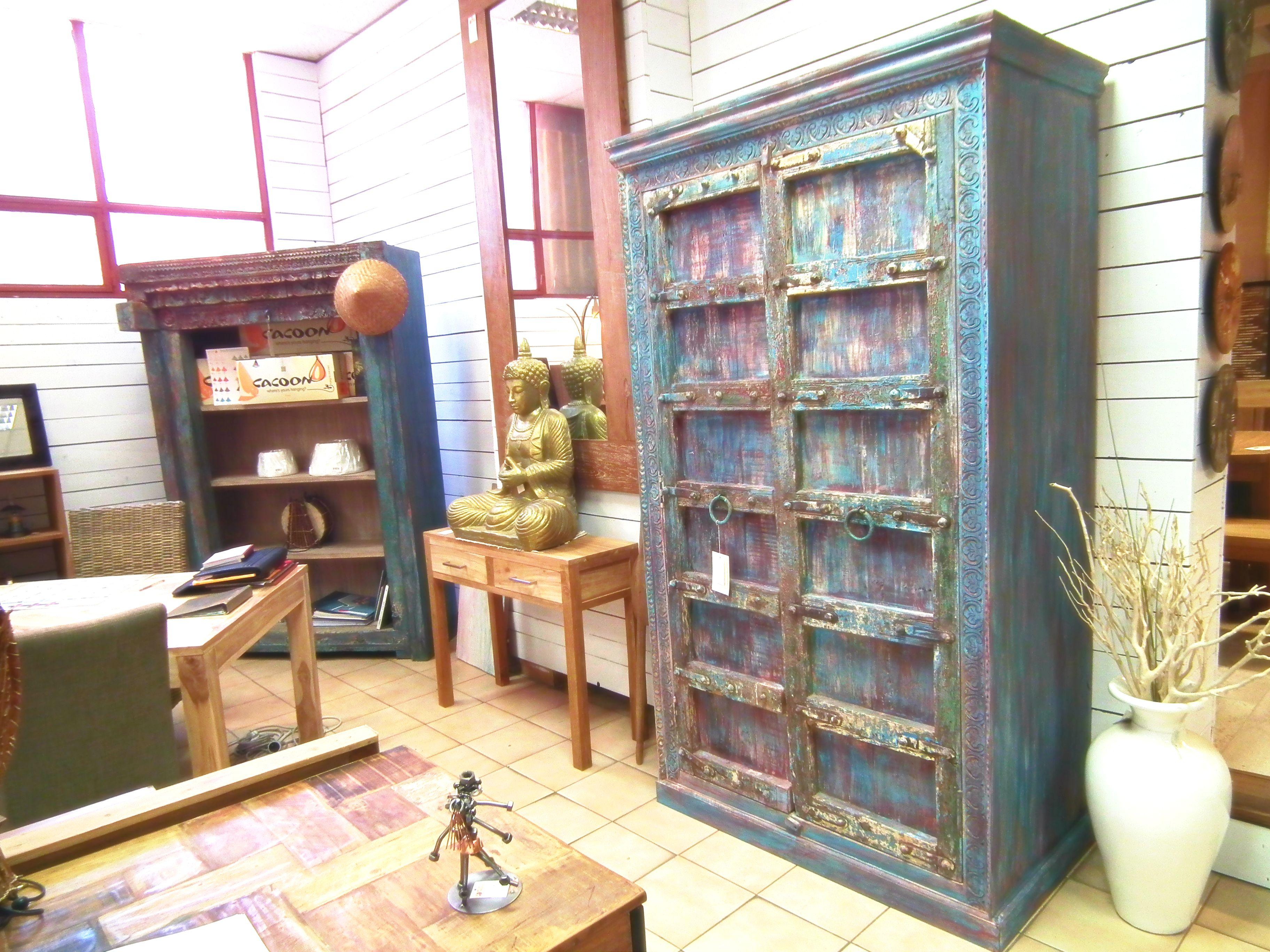 Armoire Indienne Et Bibliotheque Indienne Au Magasin Meuble Passion De Nice Mobilier De Salon Meuble Indien Magasin Meuble