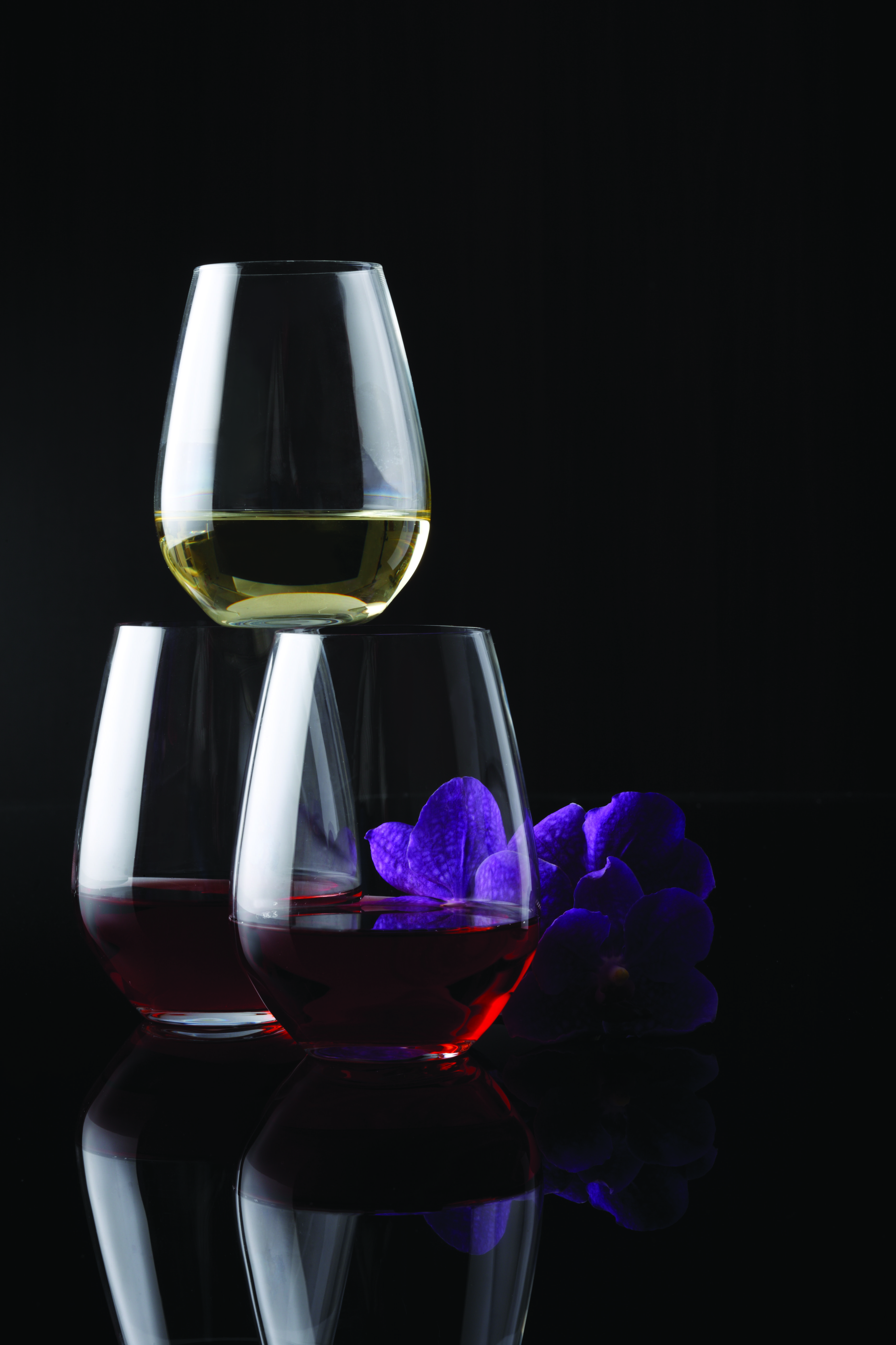 Krosno is renowned for high quality glassware and timeless designs. Krosno's Vino collection offers a wider variety of styles to suit all entertaining occasions.
