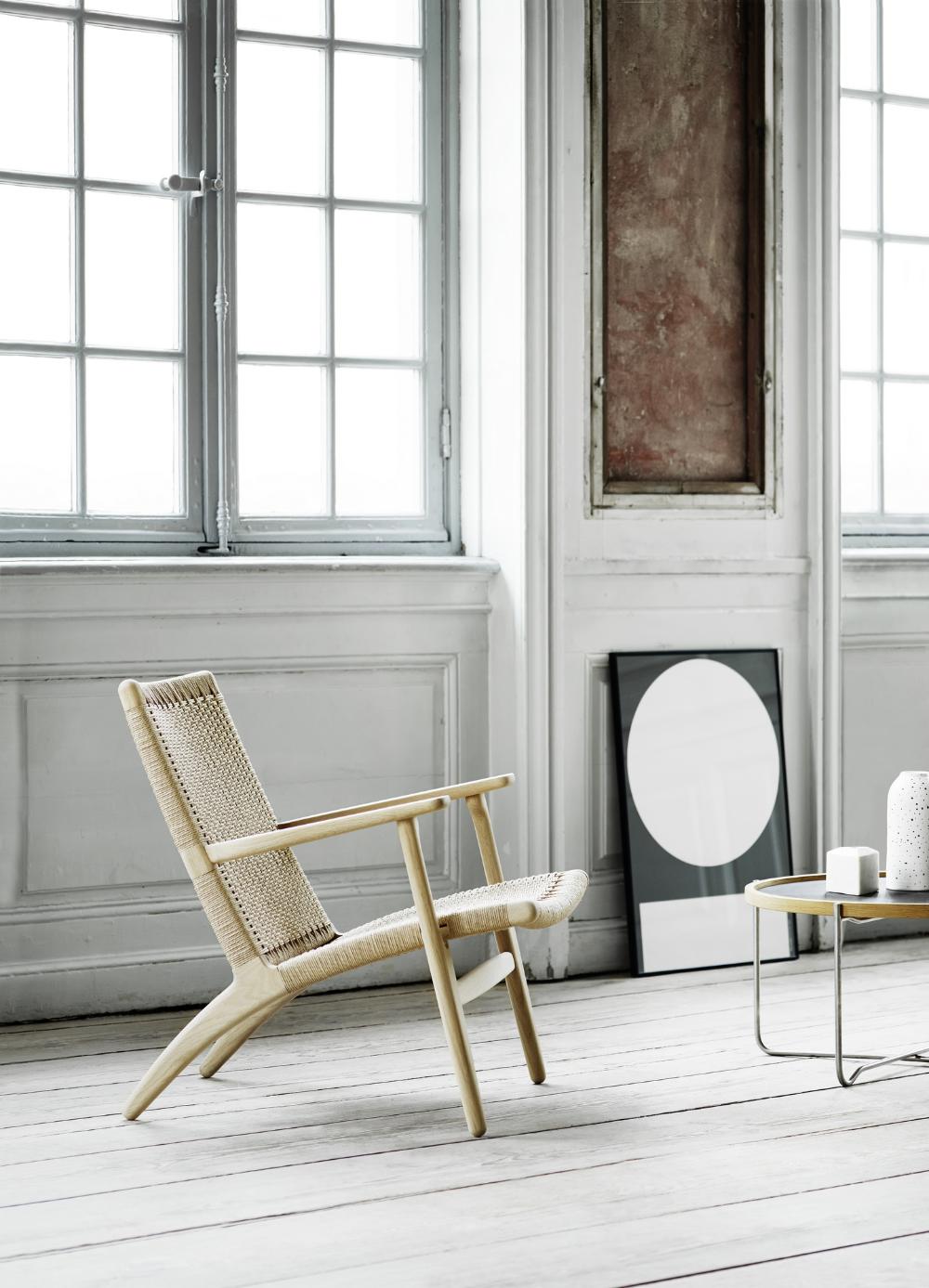 CH25 lounge chair   by Hans J. Wegner   Carl Hansen & Søn in