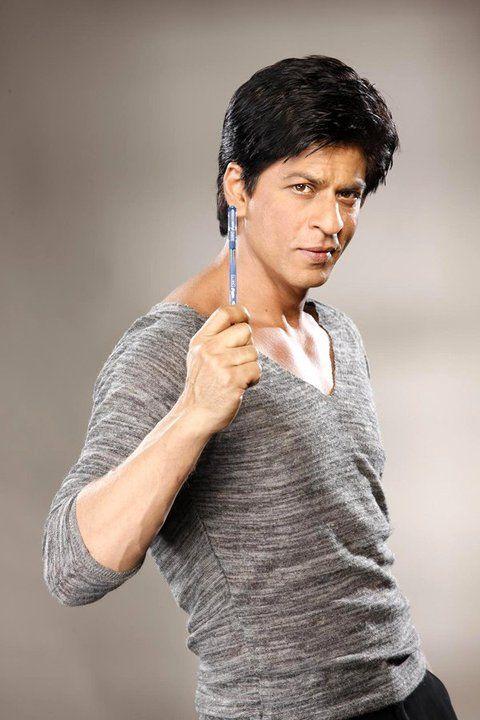 Shah Rukh Khan and a pen ^_^ | Shahrukh khan, Film producer, Best actor
