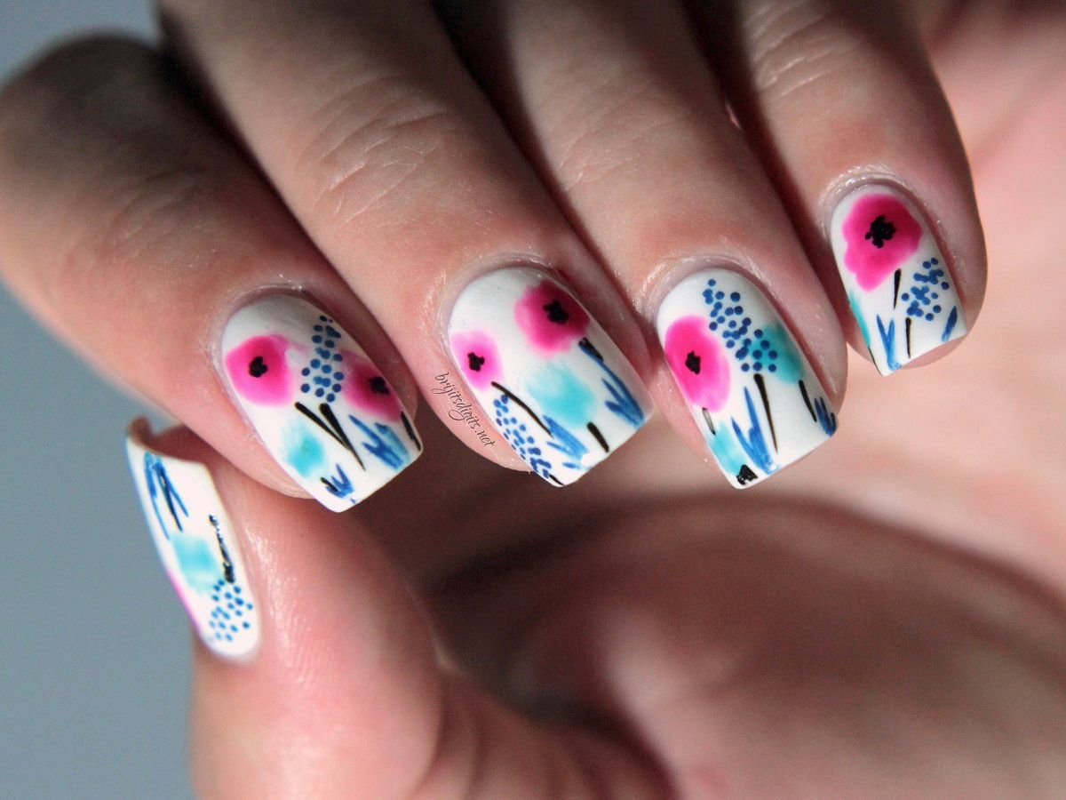 Closeup of Wildflower Watercolour Nail Art   mis uñas   Pinterest ...
