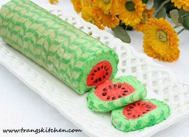 Page's Kitchen - eat watermelon with bread rolls New Type Watermelon extreme teen
