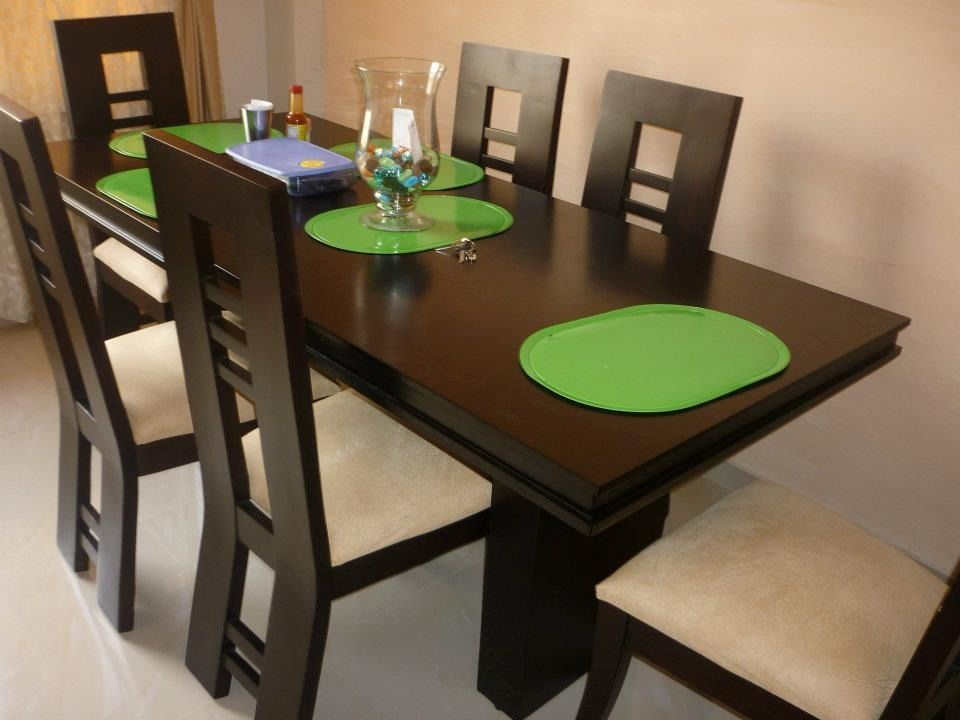 Comedor de 4 puestos moderno buscar con google muebles for Comedor moderno de madera
