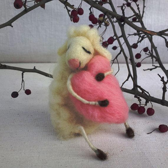 Filz Schafe träumen Liebe Mutter Tag Geschenk Nadel gefilzt Tier Schaf Rosa Herz Lamm Liebe Geschenk Waldorf Puppe Ewe Schafe Figur Figur