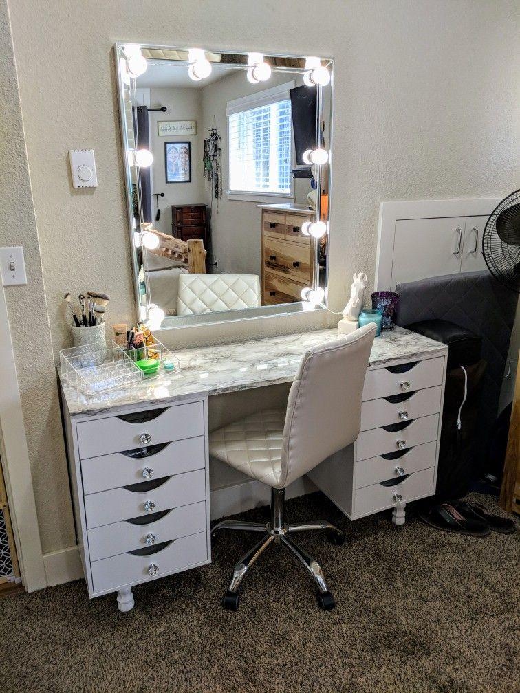 Custom Makeup Vanity Total Cost To Built 244 Glam Station Vanity Makeup Vanity Vanity Desk