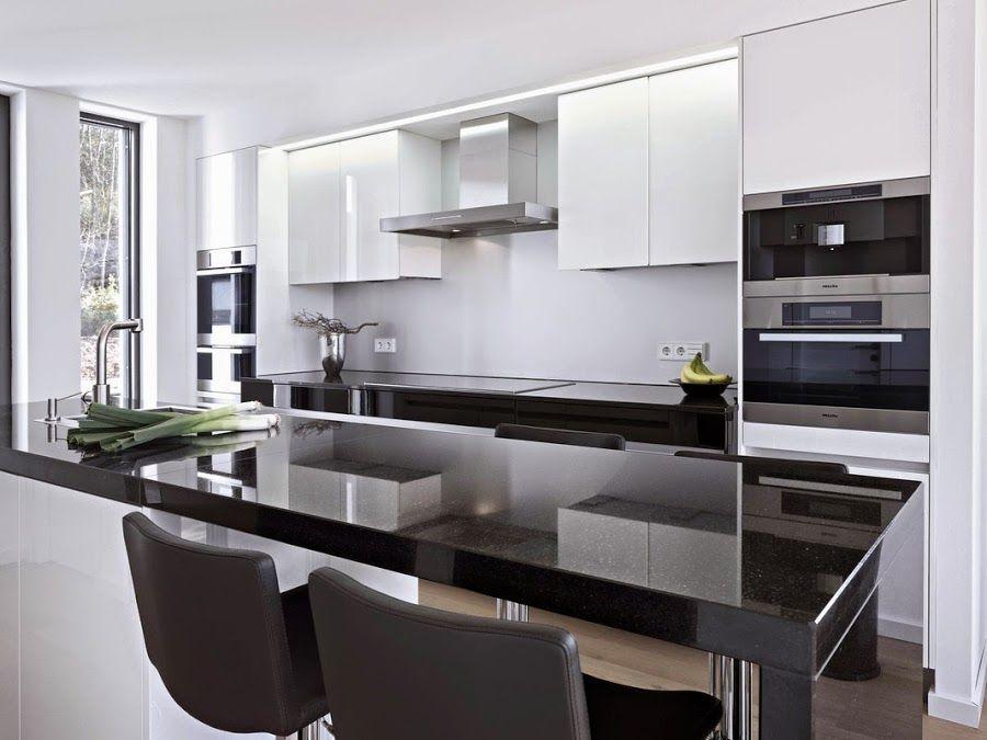 Resultado de imagen para islas de cocina con cubierta negra y ...