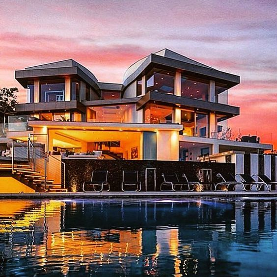 25 000 000 Beverly Hills Modern Mansion With A Massive Infinity