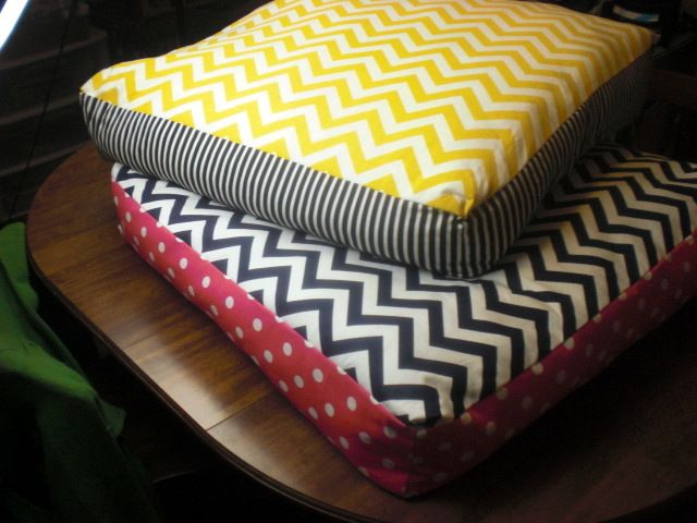 how to make your own floor pillows...which also totally double as ...