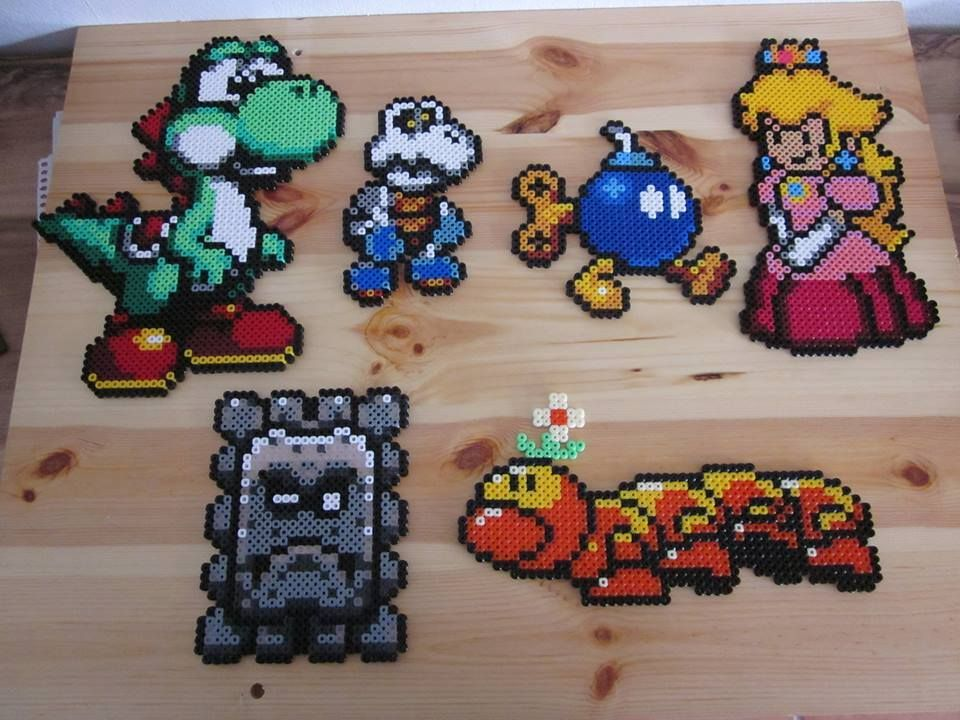 super mario aus b gelperlen hama perler beads. Black Bedroom Furniture Sets. Home Design Ideas