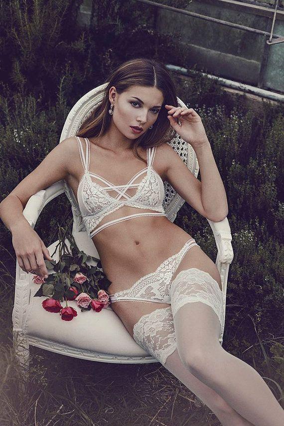 b11cd2db5 White lace lingerie set