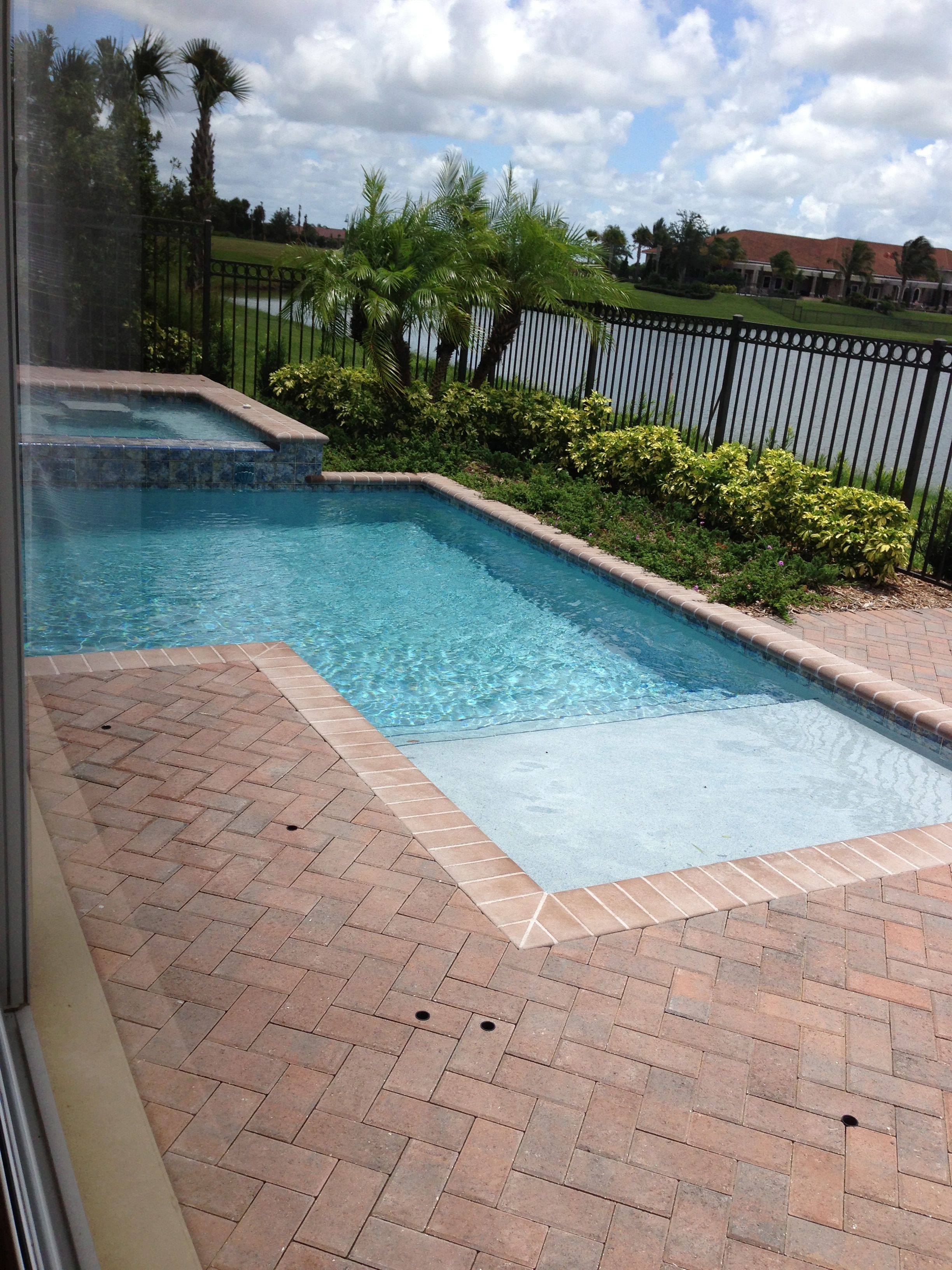 Shape/size with tanning ledge leading to steps | Pool ...