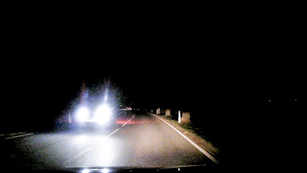 Autolicht Wie Wichtig Gutes Licht Auf Der Strasse Ist Auto Lichter Strasse Licht