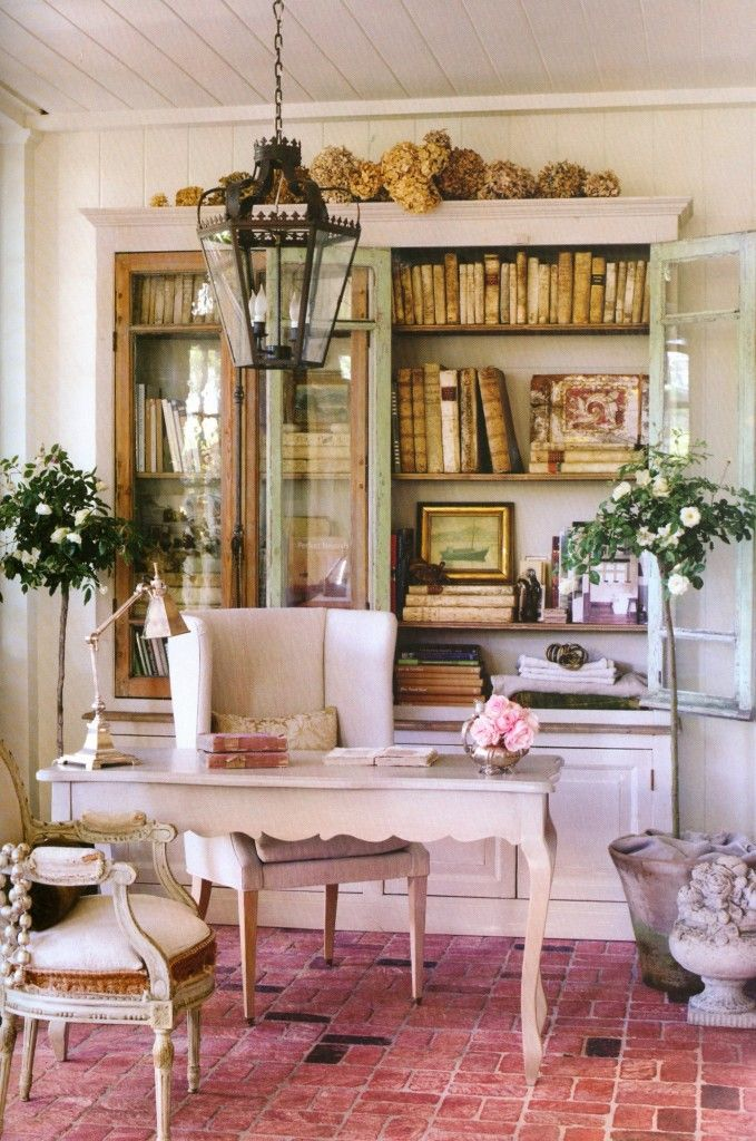 Aha Finally There S A Name For It This Is My Style Patina Style As Defined By A Couple Of Bri Shabby Chic Office Shabby Chic Homes Home Office Design