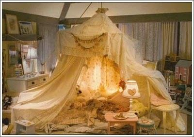 The blanket fort that the kids make in the movie  Holiday.  & The blanket fort that the kids make in the movie