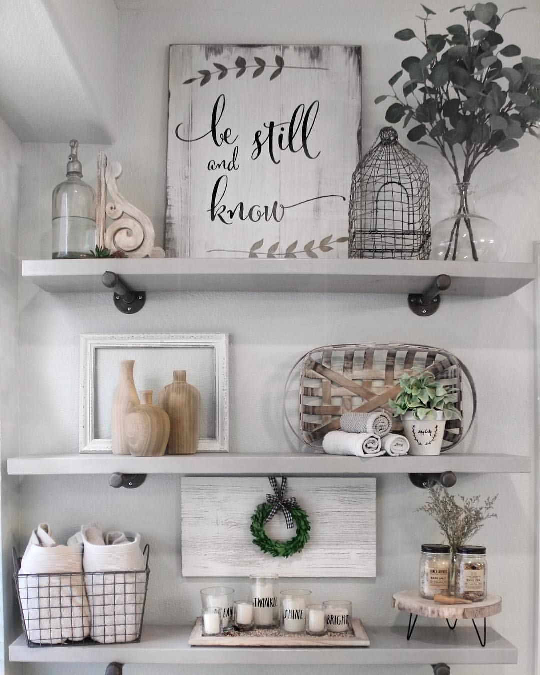 How to style bathroom shelves. Farmhouse shelf decor. DIY
