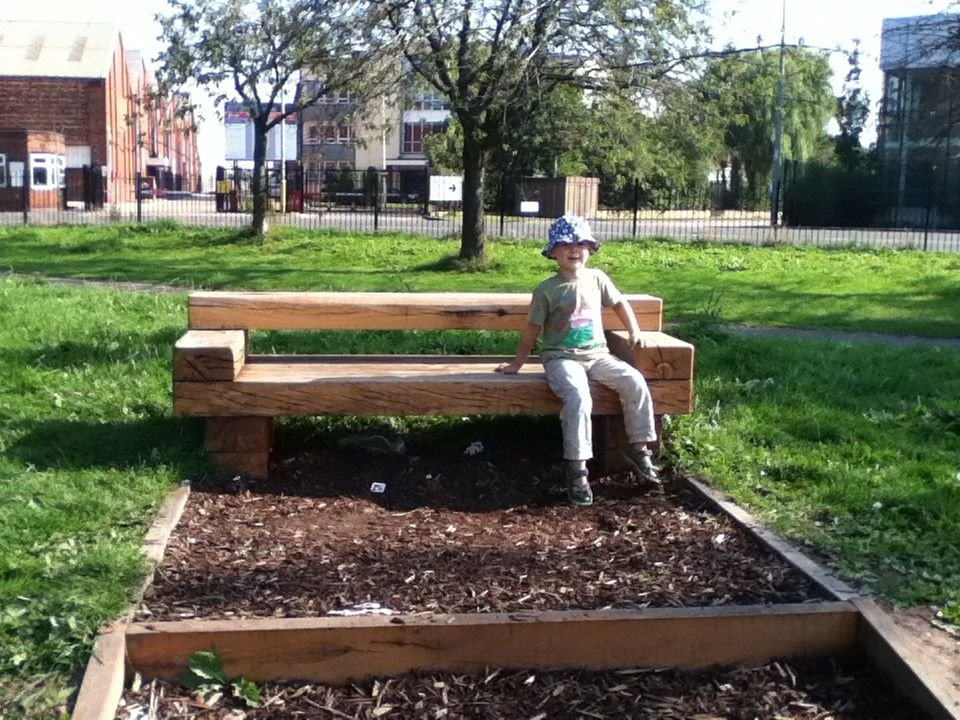 railway sleeper bench in the park gg loves timbers. Black Bedroom Furniture Sets. Home Design Ideas