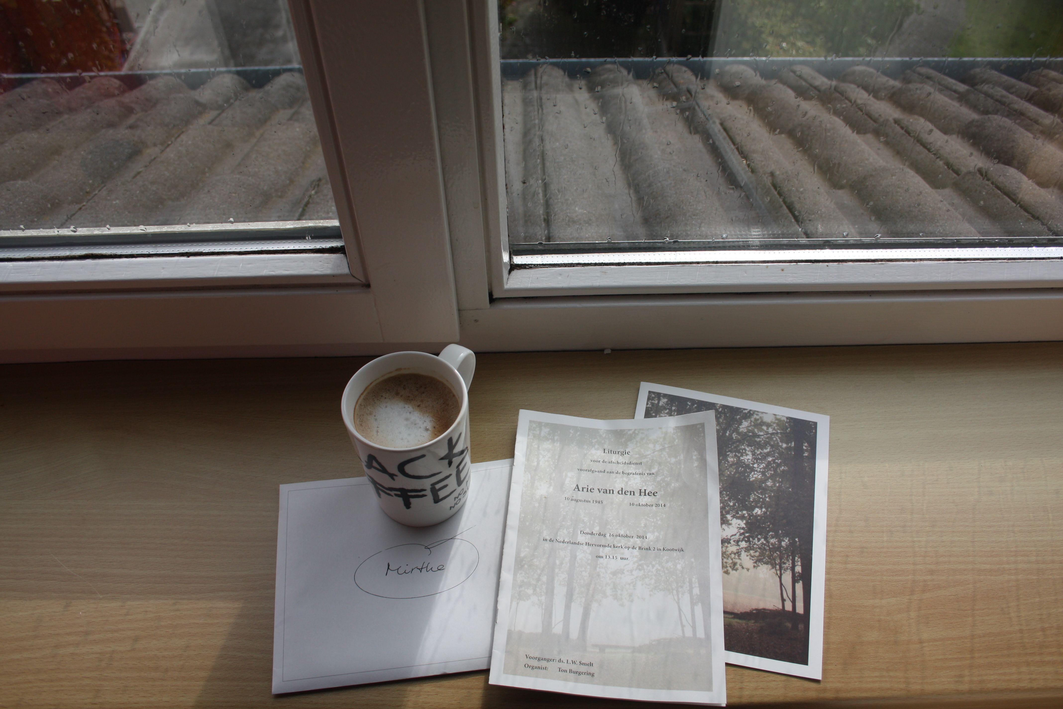 16 October - A dear family member died last week. R.I.P. A liturgy of the ceremonie. I love how you see the rain drops from window on the paper.