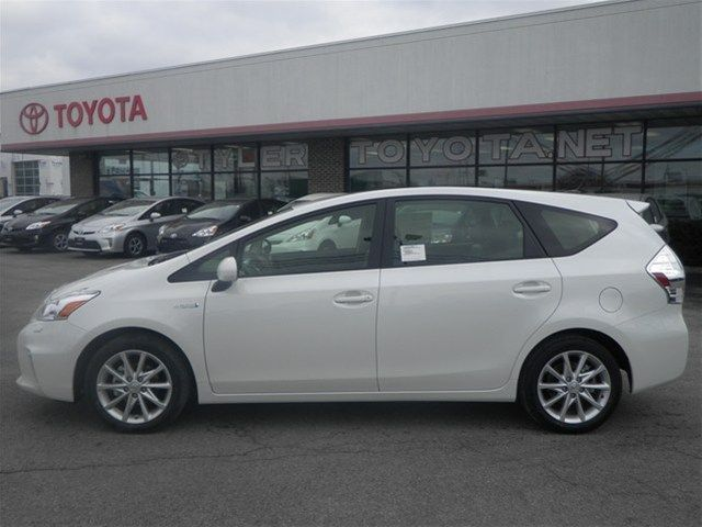 2013 Toyota Prius V Blizzard Prl 13516869 More Space For All