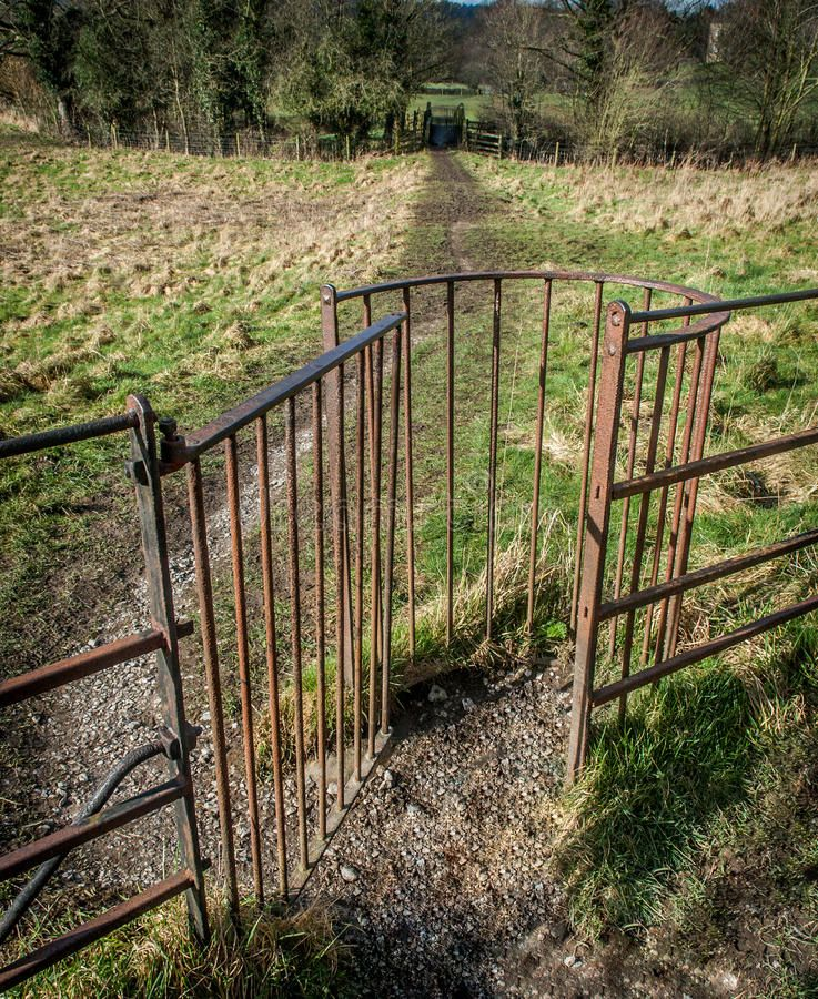 Download Kissing Gate Stock Image Image Of Kissing Woodland 38276777 Farm Gate Farm Fence Modern Fence