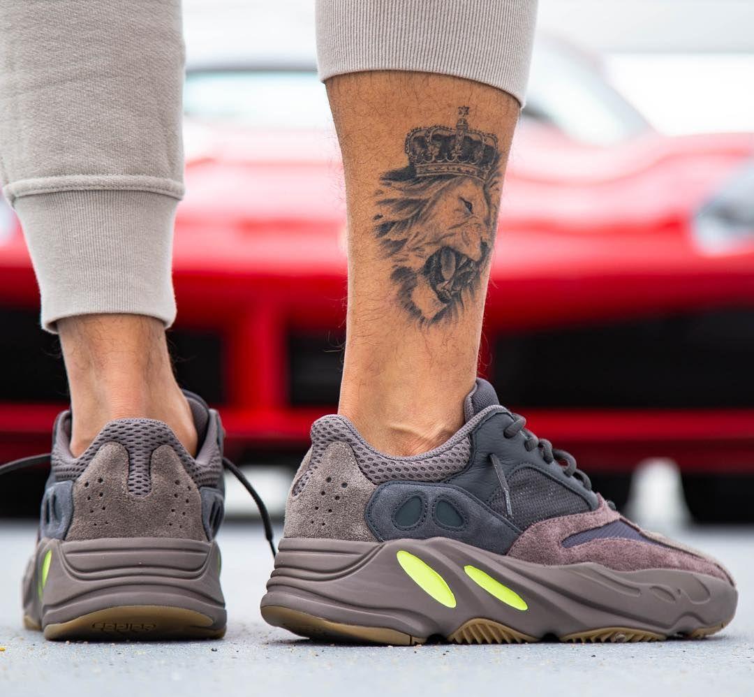 a03bdba40b19c Adidas Yeezy Boost 700 « Mauve »