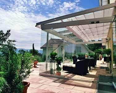 Mit Einer Terrassenüberdachung Oder Einem Glashaus Genießen Sie Den Garten  Das Ganze Jahr. Erleben Sie Grenzenloses Freiluftvergnügen. Photo Gallery