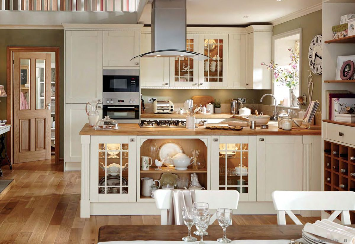 Howdens white kitchens TEWKESBURY traditional Shaker